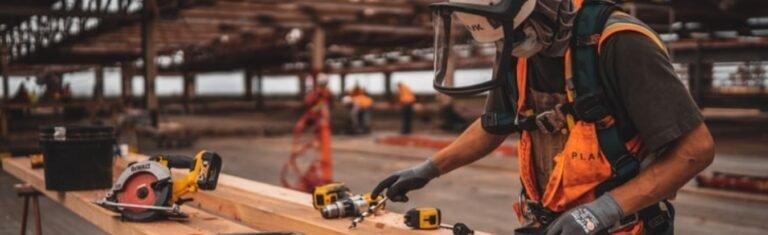 Profissional exercendo função com direito a adicional de periculosidade